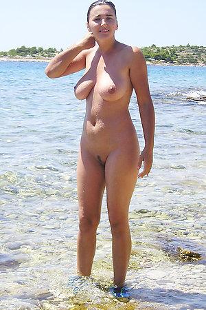 Tyro nudist unsubtle concerning grand knockers