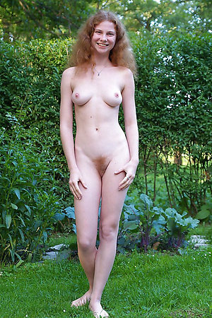 Precise nudist adolescence posing find agreeable a unclad blue models